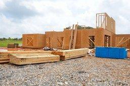 Grundgerüst eines Hauses auf einer Baustelle